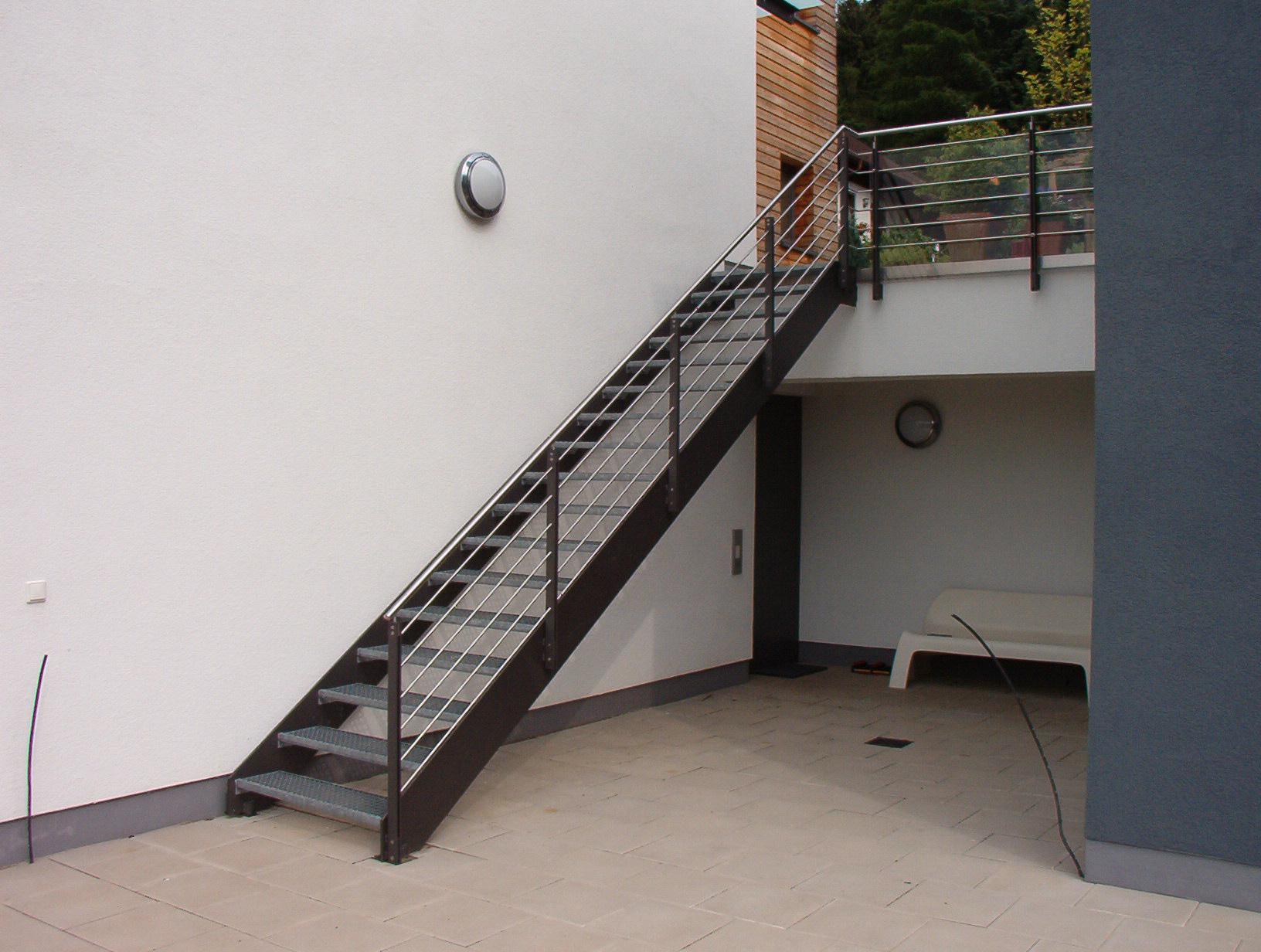 Treppe »T24« von Metallbau Becker & Vogt