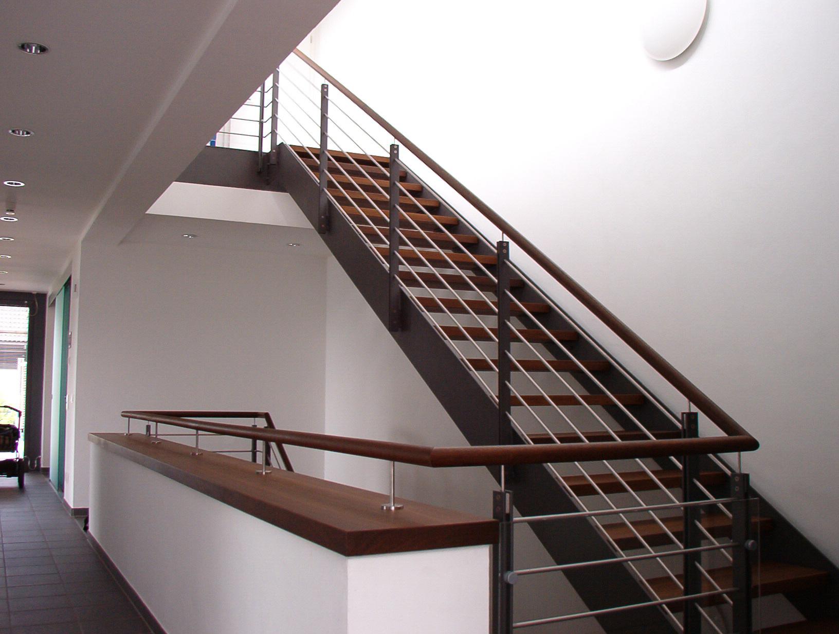Treppe »T55« von Metallbau Becker & Vogt